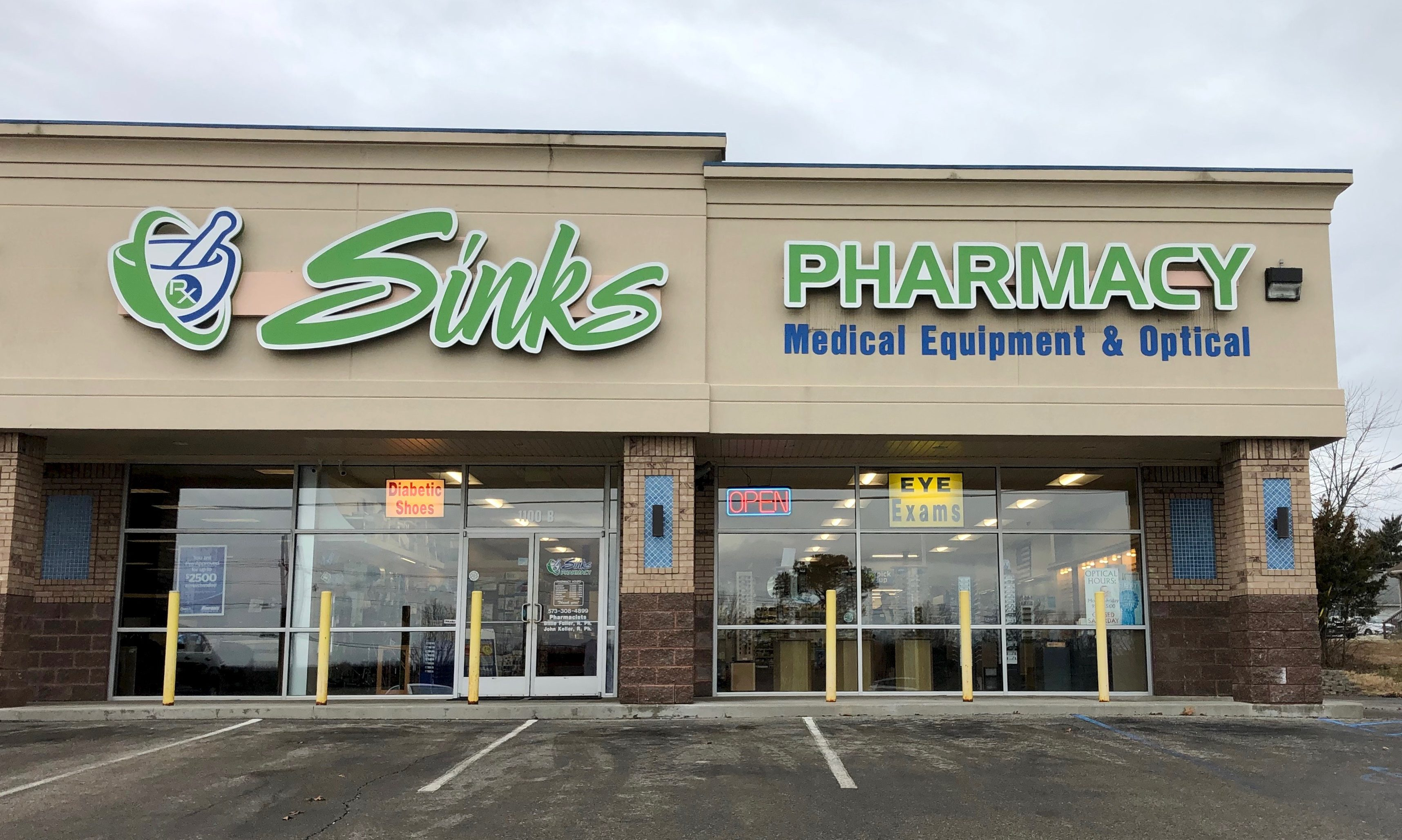 Sinks Pharmacy in Rolla South Store Front